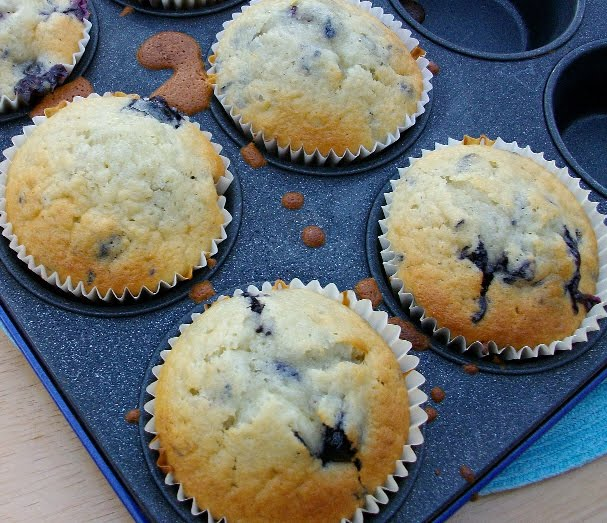 Here's an easy to make high protein blueberry muffins recipe1