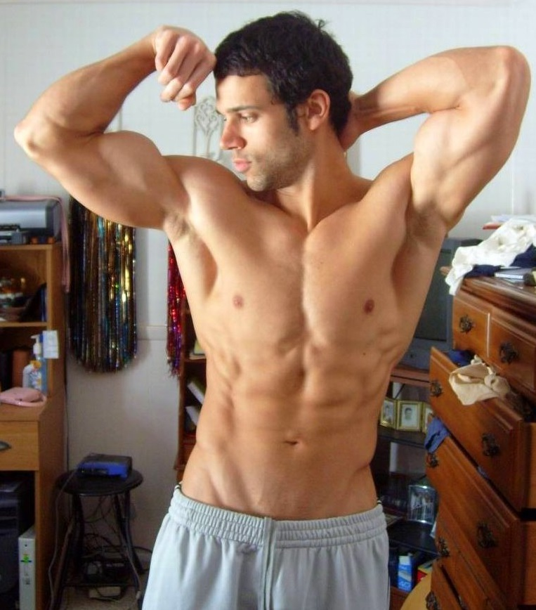 How To Build Big Shoulders At Home